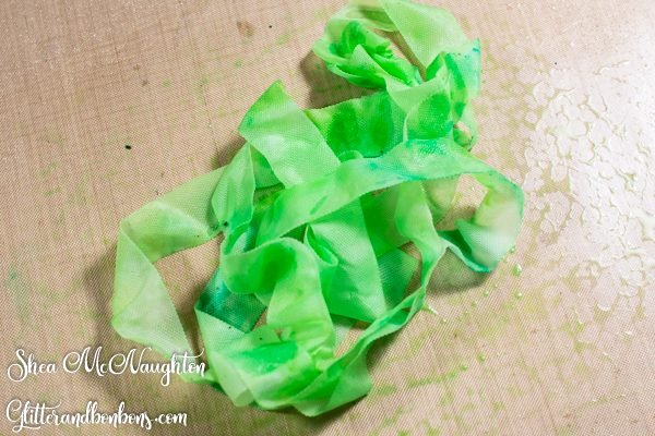 Colored and wet rayon ribbon